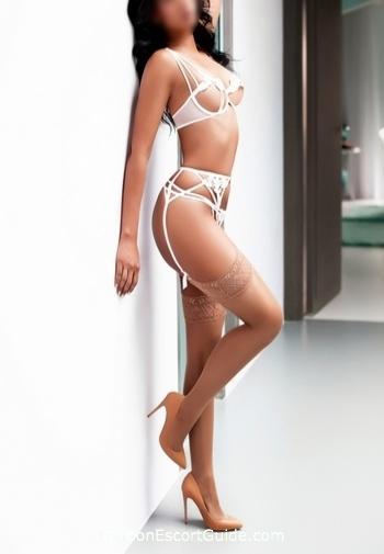 Earls Court elite Mia Honey london escort