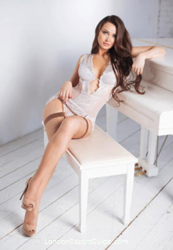 South Kensington brunette Chloe london escort