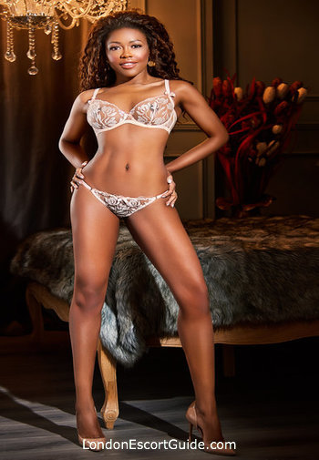 Mayfair brunette Janaina london escort