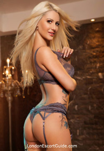 Edgware Road blonde Madelyne london escort