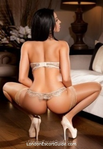 Oxford Street busty Aleeza london escort