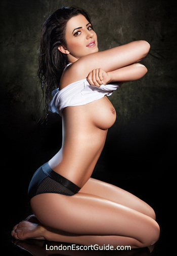 Paddington brunette Mindy london escort