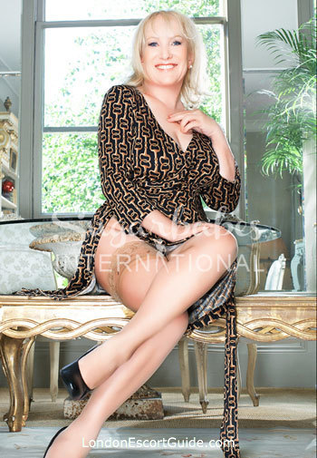 Knightsbridge 200-to-300 Elizabeth london escort