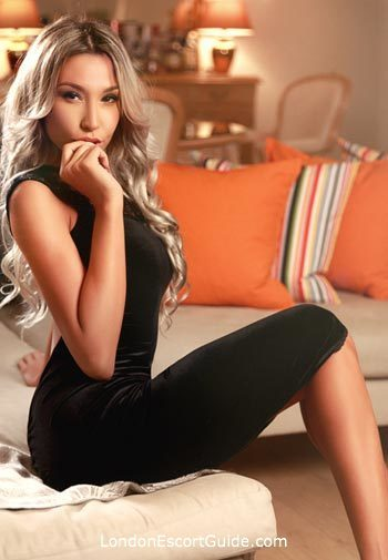 Kensington blonde Katlen london escort