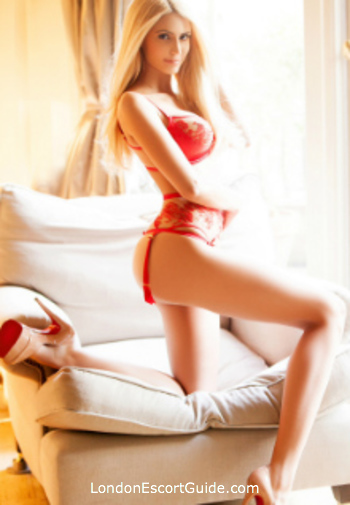 Chelsea elite Lindsay london escort