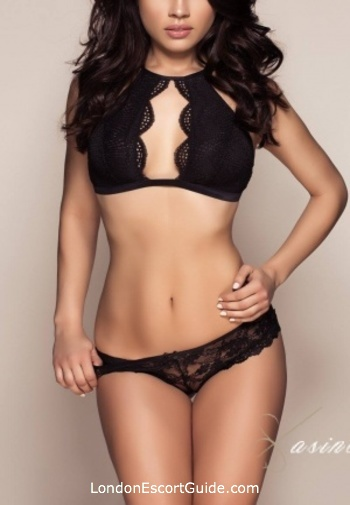 Chelsea brunette Esmeralda london escort