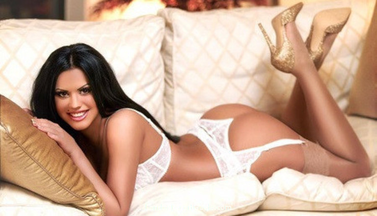 South Kensington busty Justina london escort