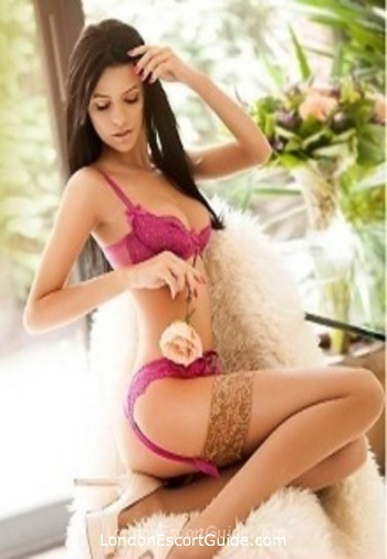 South Kensington brunette Analise london escort