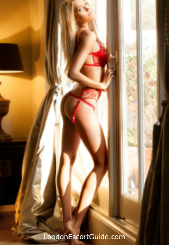 Chelsea blonde Lindsay london escort