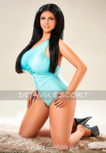Bayswater brunette Amber london escort