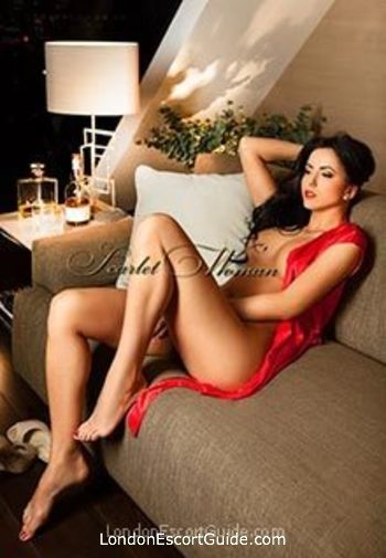 Bayswater brunette Adryanna london escort