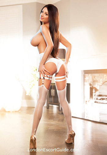Edgware Road brunette Ellie london escort