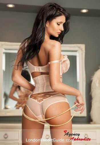 Marylebone 200-to-300 Akira london escort