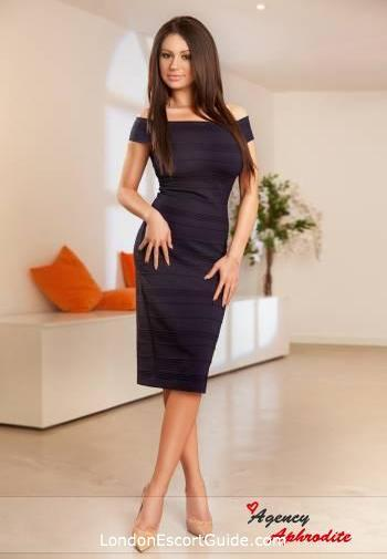 Baker Street brunette Aurelia london escort