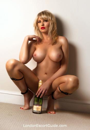 Bayswater blonde Amelly london escort