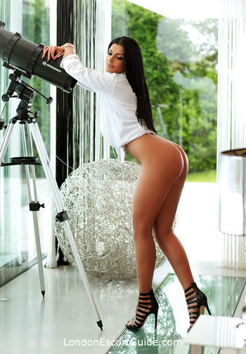 Marble Arch 200-to-300 Pearl london escort
