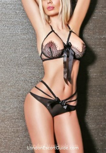 Wandsworth blonde Victoria london escort