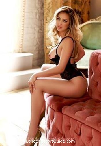 Baker Street blonde Larissa london escort