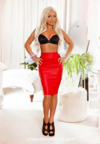 Bayswater petite Thelma london escort