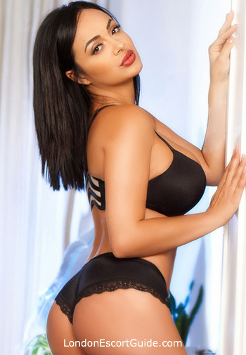 Paddington under-200 Kami london escort