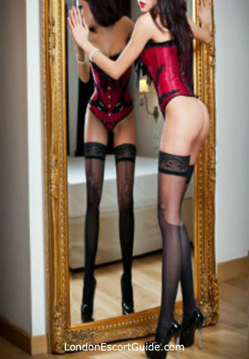 Bayswater pvc-latex Lady Diana london escort