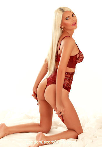 Bayswater blonde Sunita london escort