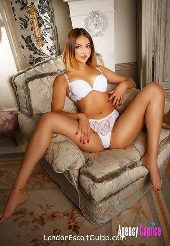 Queensway under-200 Carol london escort