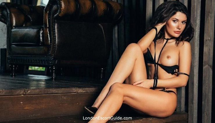 central london brunette Laura london escort