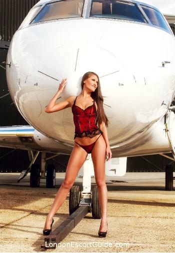 Bayswater brunette Antonia london escort
