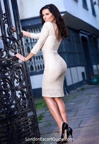 Bayswater mature Amoroza Ishtar london escort