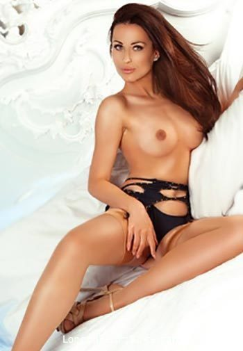 Chelsea under-200 Alison Boyle london escort