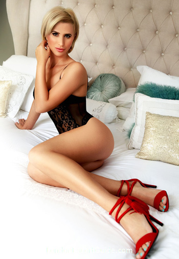 Marble Arch blonde Aby london escort