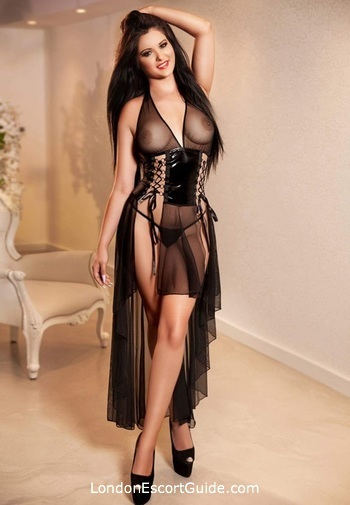 Edgware Road brunette Mistress Carol london escort