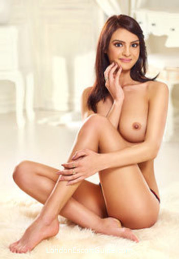 Knightsbridge brunette Maria london escort