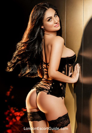 Mayfair 200-to-300 Cindy london escort