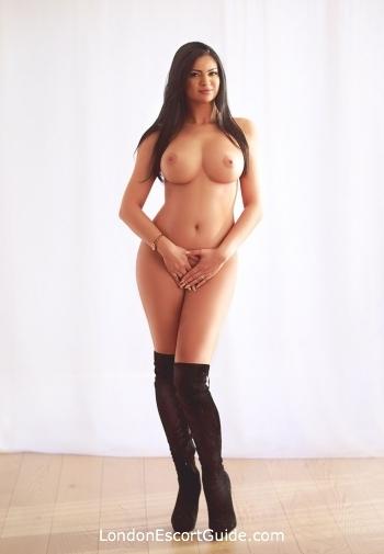 Chelsea brunette Odelia london escort