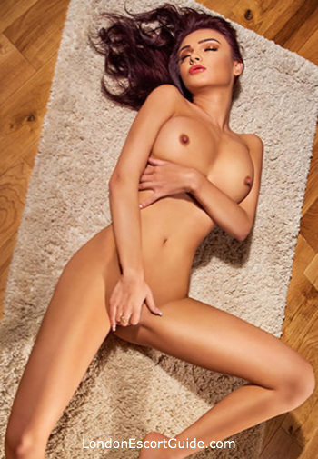 Bayswater featured-girls Evelin london escort