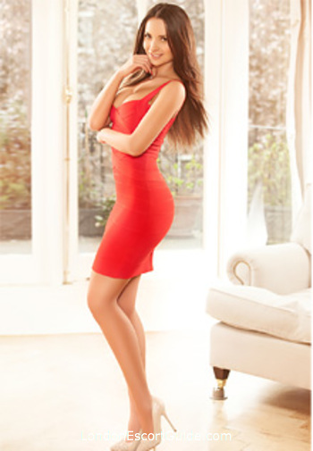 South Kensington brunette Latifa london escort