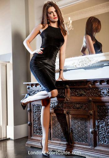 Knightsbridge brunette Avalyn london escort