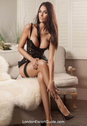 Knightsbridge brunette Dayana london escort