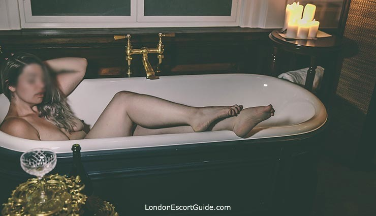 Central London massage Poppy Fox london escort