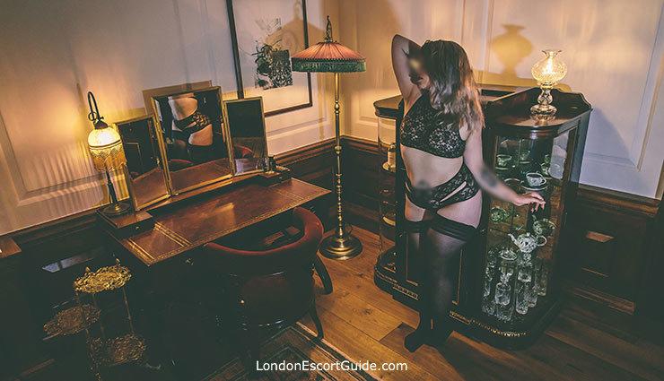 Central London english Poppy Fox london escort