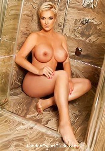 Central London blonde Ilona london escort