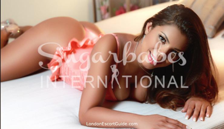 Bayswater brunette Luisa london escort