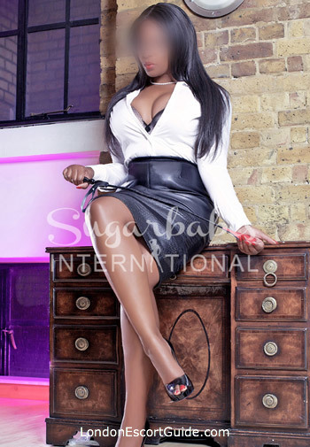 Earls Court brunette Paris london escort
