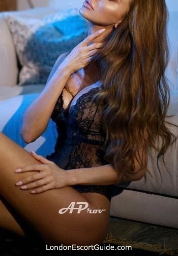 Marble Arch brunette Nicolette london escort