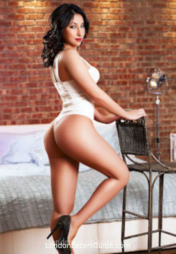 Notting Hill  Paris london escort
