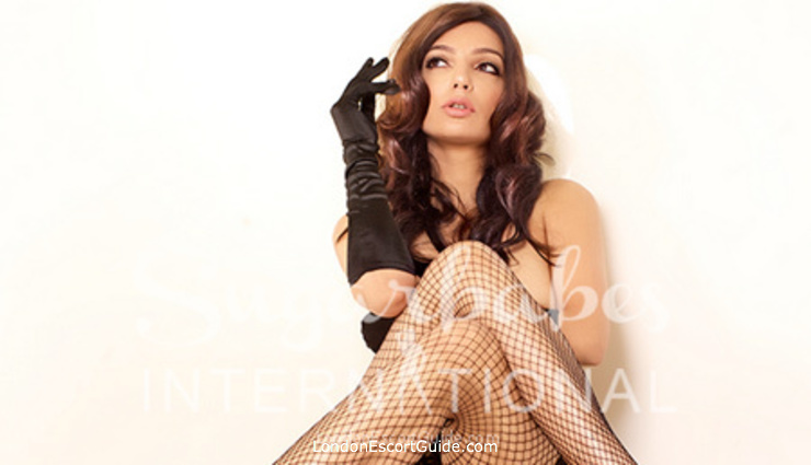 Westminster brunette Sonia london escort