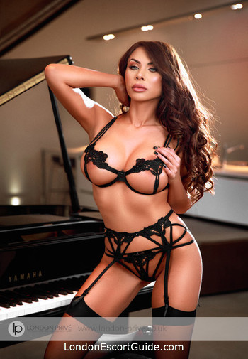 Knightsbridge 200-to-300 Chantal london escort