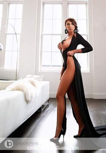 Kensington Olympia pvc-latex Chantal london escort
